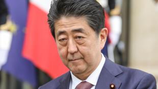 Le Premier ministre japonais Shinzo Abe s'est excusé auprès des victimes de stérilisation forcée. Elles seront aussi indemnisées.