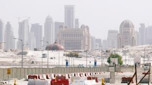 La «skyline» (la ligne de gratte-ciels) de Doha au Qatar.