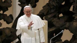 A primeira viagem do papa Francisco será ao Brasil, a fim de participar da Jornada Mundial da Juventude em julho.