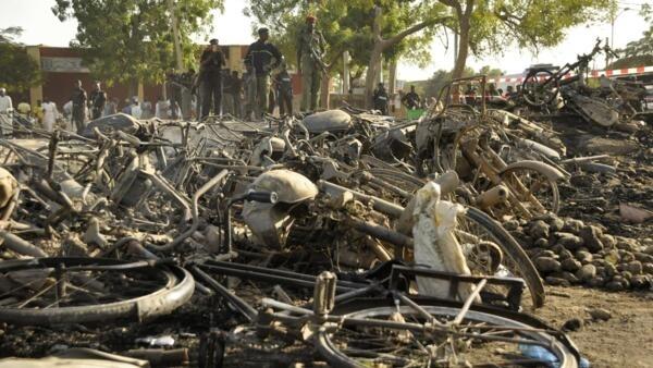 Последствия взрывов в мечети города Кано, Нигерия, 28 ноября 2014 г.