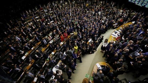 Uma visão geral da Câmara Plenária dos Deputados durante a sessão de votação do projeto de reforma da previdência em Brasília, Brasil, 10 de julho de 2019.