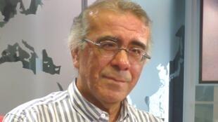 Jorge Cuba Luque en los estudios de RFI
