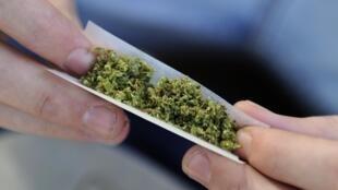 В центре для трудных подростков содержатся около 300 несовершеннолетних, многие из которых попали в учреждение как раз из-за проблем с наркотиками.