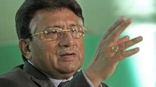 Pervez Musharraf announces the formation of a political party in London in October