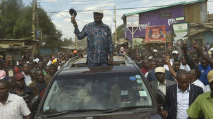 肯尼亞反對派領袖奧廷加拒絕承認選舉結果,周日(8月13號)在內羅畢貧民窟會見支持者