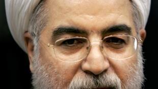 """Clérigo de 64 años, de perfil moderado, Hasan Rohani es apodado """"jeque diplomático"""""""