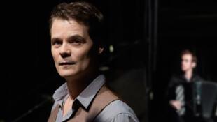 O ator, cantor e bailarino Antonio Interlandi.