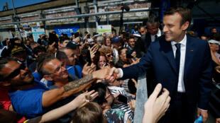 O partido de Emmanuel Macron deve conquistar ampla maioria parlamentar nas próximas eleições legislativas.