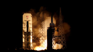 Parker, phi thuyền thám hiểm mặt trời đầu tiên của nhân loại, được phóng lên không gian ngày 12/08/2018 từ trung tâm khôn gian Kennedy ở Canaveral, bang Florida, Mỹ.