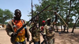 Milicianos armados en el pueblo de Boguila, en RCA, marzo de 2014.