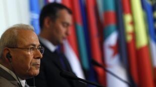 O líder da oposição síria, Burhan Ghalioun, durante Fórum sobre transições democráticas que acontece em Sofia, na Bulgária.