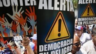 A Venezuela tem enfrentado momentos de tensão desde o início de fevereiro, com protestos de estudantes e opositores contra o governo.
