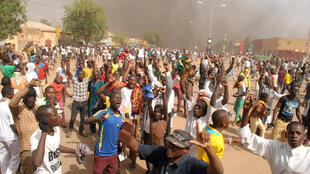 Thousand of protestors came together in Zinder on Friday to express their anger against the cartoon on Carlie Hebdo's cover.