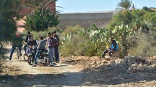 Au Maroc, le chômage et l'abscence de formation font des ravages chez les jeunes.
