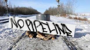 Le blocage des trains par les membres de la nation Wet-suwet'en se poursuit dans l'est du Canada.