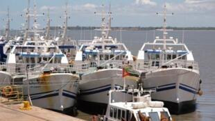 Barcos da EMATUM, uma das empresas envolvidas em dívidas ocultas em Moçambique