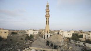 Uma mesquita destruída na Faixa de Gaza, neste sábado 23 de agosto de 2014.
