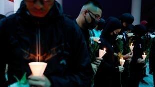 Траурная акция в Гонконга после гибели студента Алекса Чоу