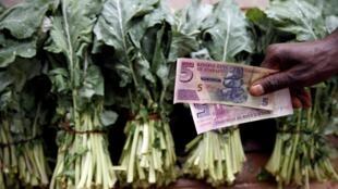 L'hyper inflation et la sécheresse font monter les prix des aliments de base au Zimbabwe.