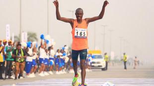 David Barmasai Tumo na Kenya da ya yi na daya a gasar Marathon ta Lagos