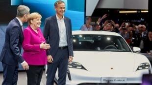 Thủ tướng Đức Angela Merkel khai mạc triển lãm xe Frankfurt ngày 14/09/2019.