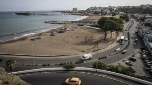 Panorama da Avenida marginal da cidade da Praia, Cabo Verde.