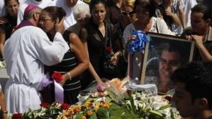 Obsèques de l'opposant Oswaldo Paya, le 24 juillet 2012 à La Havane