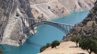 طرح انتقال آب منطقه بهشتآباد به فلات مرکزی ایران تصویب شد.