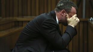 Oscar Pistorius trong tâm trạng day dứt trước toà ngày 7/4/2014.