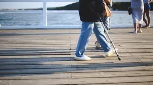 L'ostéoporose accentue la fragilité osseuse et accroît donc considérablement le risque de fractures.