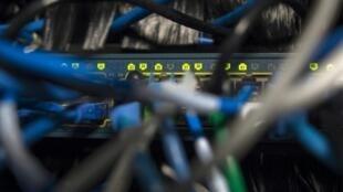 美国威胁撤销中国电信在美的业务许可