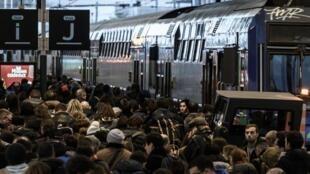 法國巴黎里昂火車站周五資料圖片