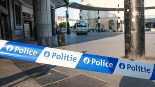 A estação central ferroviária de Bruxelas, uma das maiores da Bélgica, nesta quarta-feira (21), dia seguinte da explosão da mala-bomba.