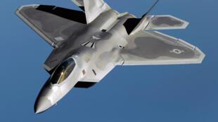 """هواپیمای """"اف ۲۲"""" ارتش آمریکا"""