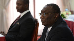 Les anciens présidents centrafricains Michel Djotodia (d) et François Bozizé (g) le 14 avril 2015 à Nairobi.