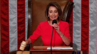 Esta não é a primeira polémica entre o Presidente Trump e a Presidente democrata da Câmara dos Representantes, Nancy Pelosi.