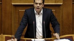 Alexis Tsipras a présenté les priorités de son gouvernement devant le Parlement grec, le 5 octobre à Athènes.
