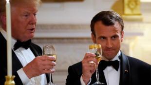 ប្រធានាធិបតីបារាំងលោក  Macron និងប្រធានាធិបតីអាមេរិកលោក Donald Trump នាពេលភោជនាហារនាពេលយប់នៅវិមានប្រធានាធិបតីអាមេរិកក្នុងទីក្រង វ៉ាស៊ីនតោនថ្ងៃទី២៤ មេសា២០១៨