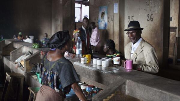Café du marché central de Bangui.