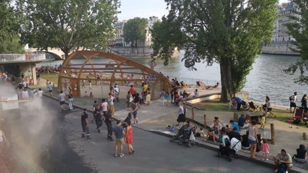 Paris Mayor Anne Hidalgo wants more green spaces for Parisians along the Seine.