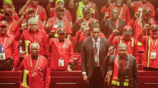 6° congresso extraordinário do MPLA em Luanda.