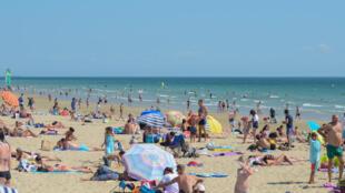 O litoral ainda é a principal opção de férias para os franceses que viajam que viajam dentro do país.