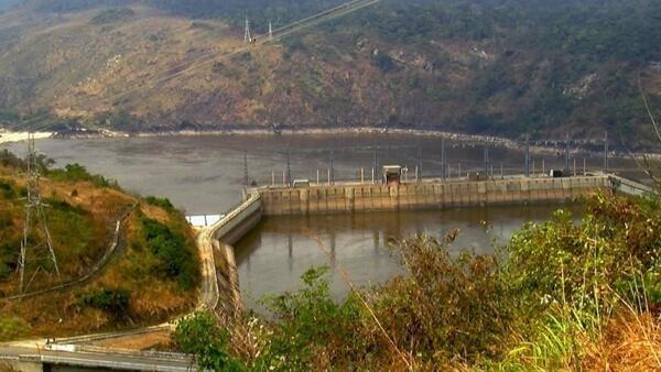 Une vue générale du barrage d'Inga à l'ouest de Kinshasa, en RDC.