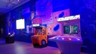 Une des espaces de l'exposition Videogames: Design, Play, Disrupt au V&A Dundee, en Écosse.