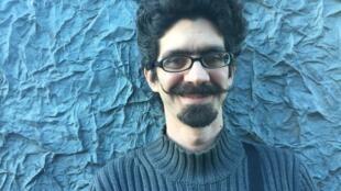 Guilherme Carvalho, musicólogo, compositor e violoncelista.
