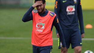 Depois de negar acusação de estupro, Neymar treina com sua equipe nacional em Teresópolis, Brasil, em 2 de junho de 2019