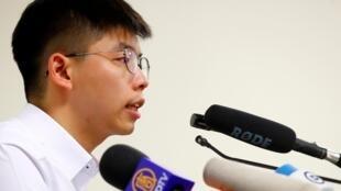黃之峰9月11日在柏林洪堡大學發表演講