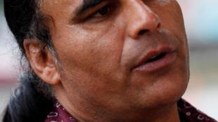 O corajoso refugiado afegão Abdul Aziz, que tentou desarmar o atirador fascista Brenton Tarrant.