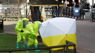 """В Лондоне утверждают, что Сергея Скрипаля и его дочь отравили веществом из серии """"Новичок"""""""