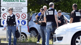 Investigators at the Air Products factory in Saint-Quentin-Fallavier where the attack took place, 26 June 2015